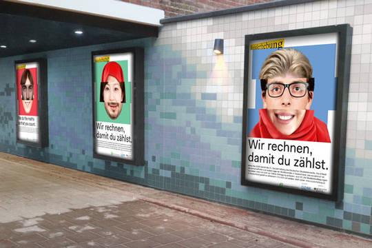 Plakate zur 21. Sozialerhebung in einem U-Bahnhof