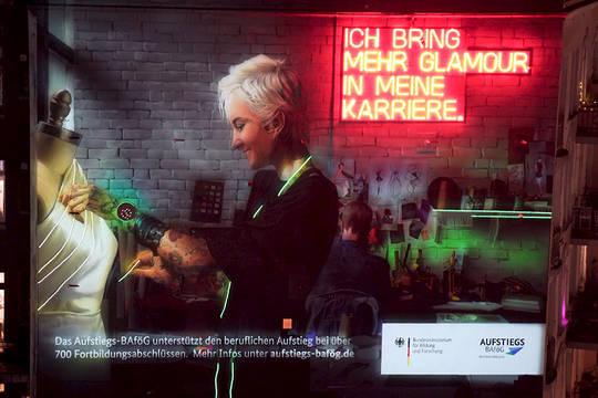 Hamburg leuchtet: mit einem Mural zum Aufstiegs-BAföG